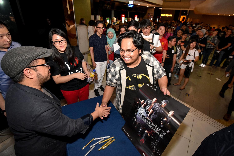 final-fantasy-xv-wan-hazmer-ffxv-malaysia-launch-berjaya-times-square-gsc-maxx