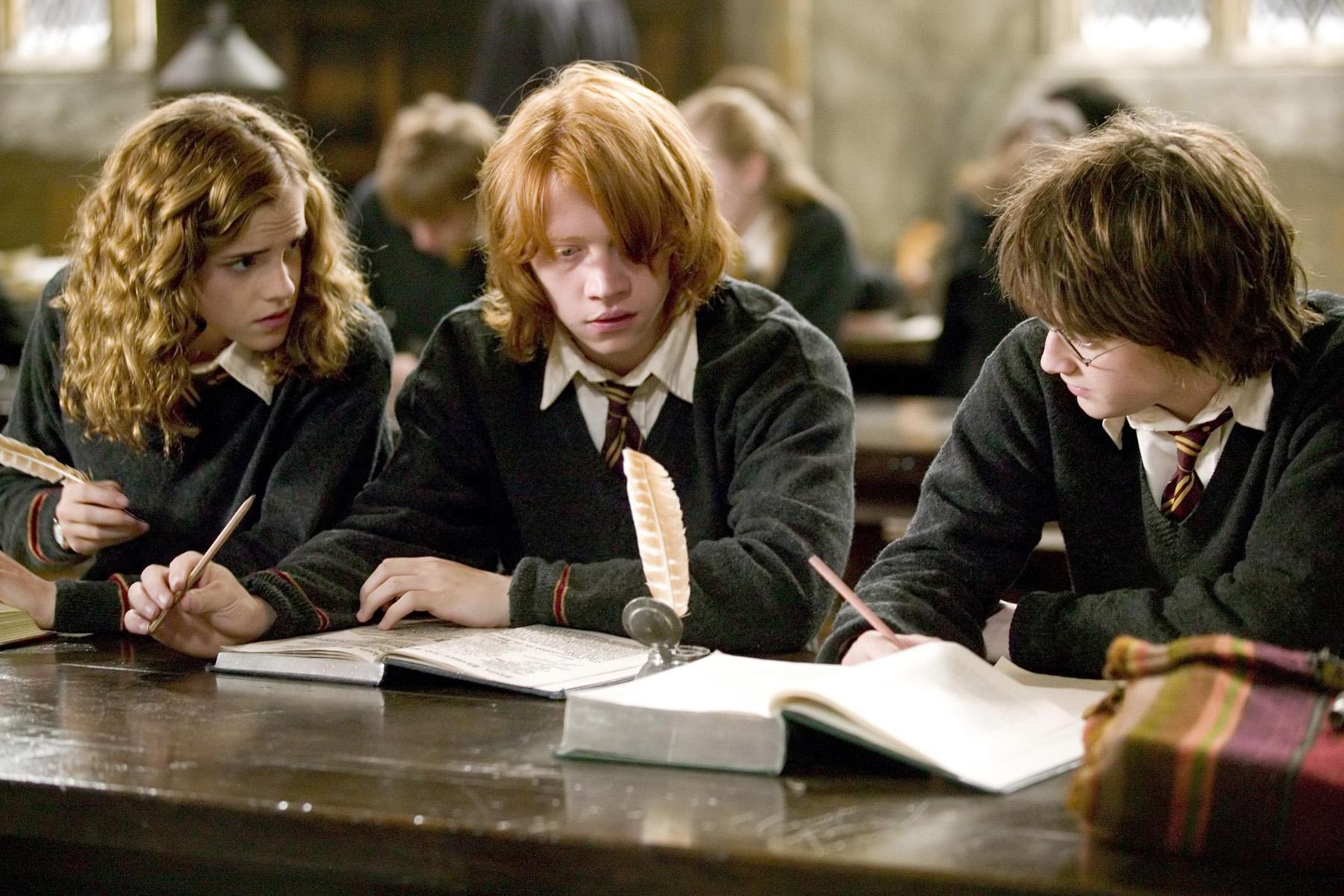 Harry Potter, Hermoine Granger, Ron Weasley, Hogwarts, Books, Fantastic Beasts