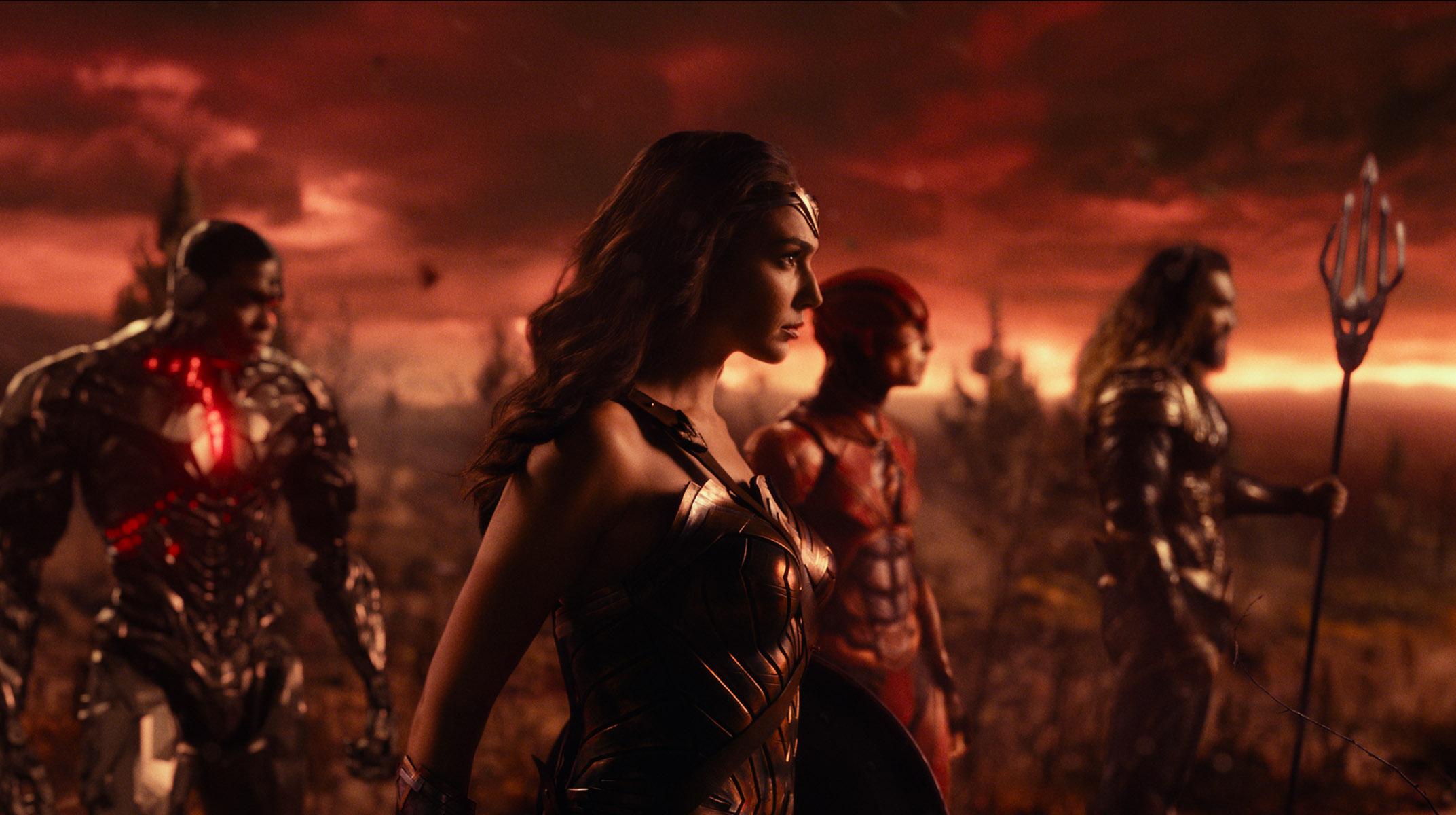 Justice-League-DC-Movie-DCEU-Cyborg-Flash-Batman-Superman-Aquaman-Wonder-Woman-Red-Sky-Easter-Egg