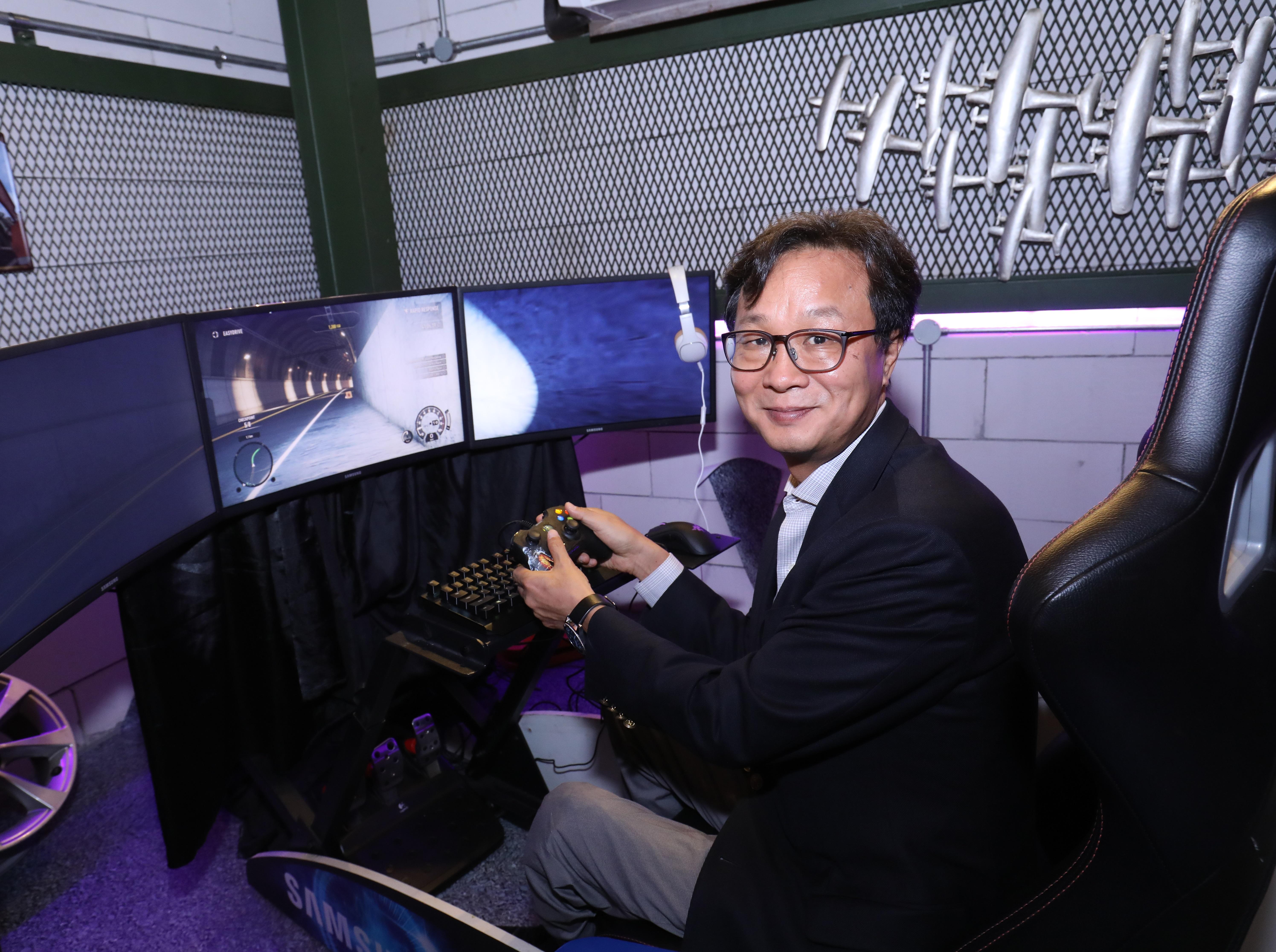 Samsung CFG70 Quantum Dot Curved Gaming Monitor President Samsung Malaysia Lee Sang Hoon